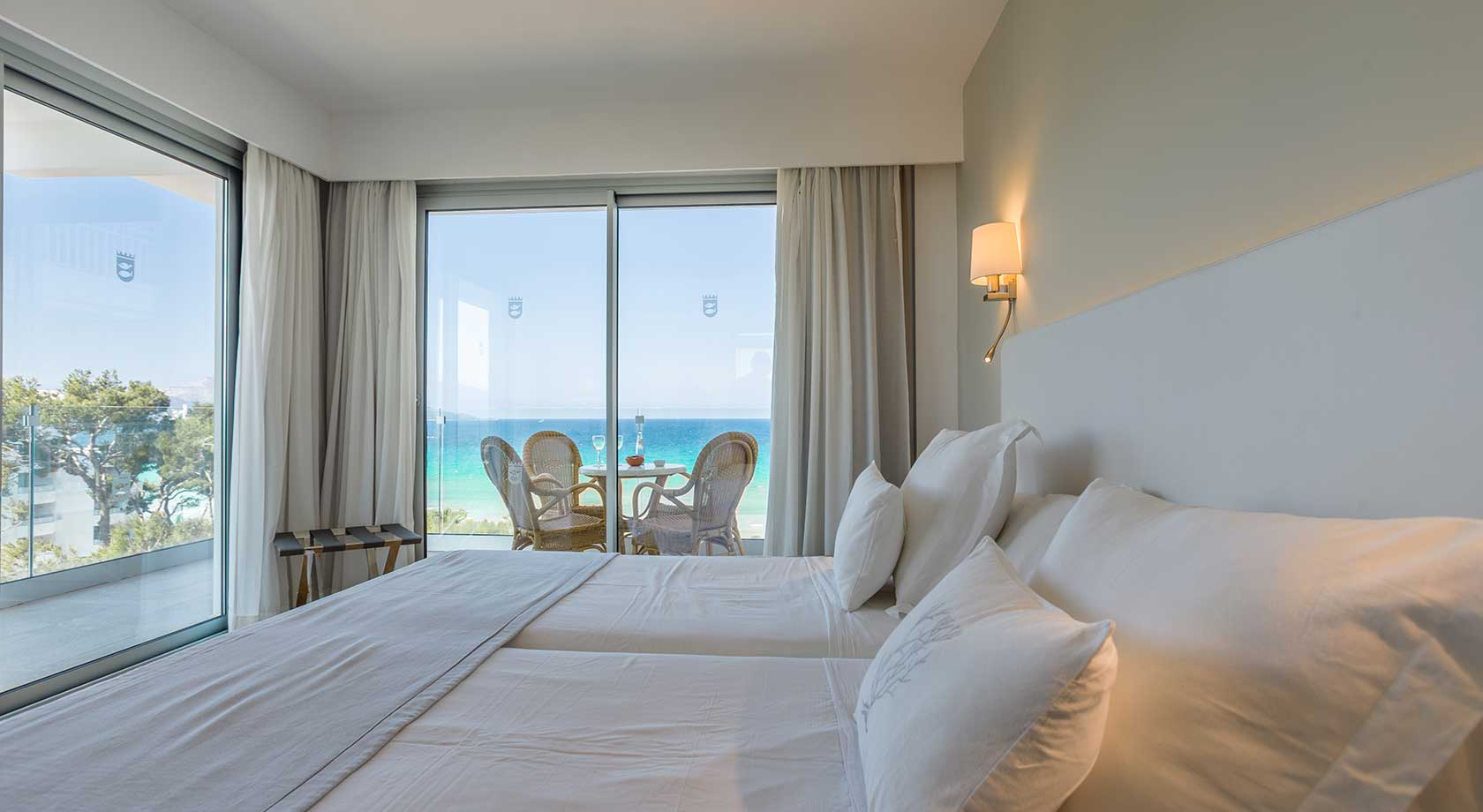 Junior Suite Premium lateral sea view  playa esperanza resort
